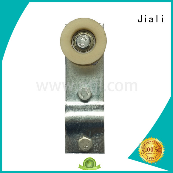 Chain idler pulley with bearing